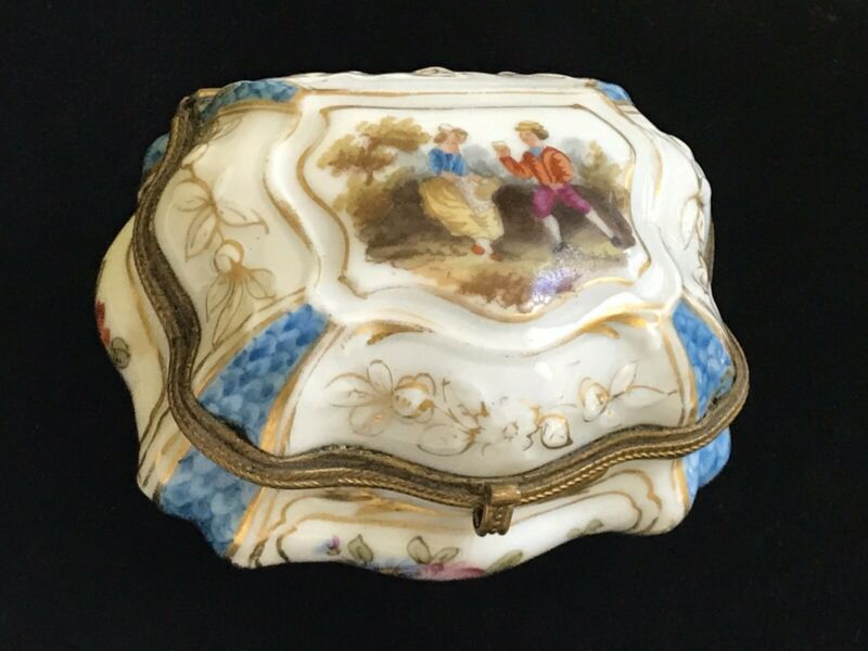 Antique Meissen Porcelain Dome Style Hinged Box