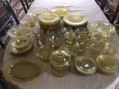 Patrician Spoke Amber 100 Piece Dish Set