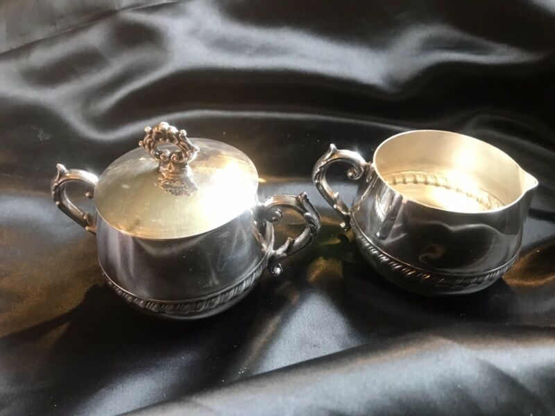 Silver Plated set of Creamer and Sugar w Lid International Silver Company
