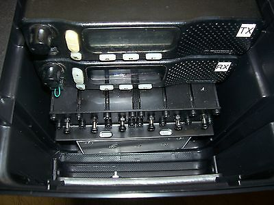 MOTOROLA  REPEATER PORTABLE 20 CHANNEL 40 WATT 440-470 DUPLEXER MIC
