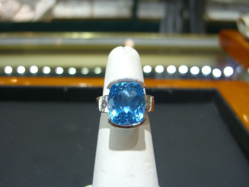 Fine Womens 14 Karat White Gold Diamond And Blue Topaz Ring New Size 6.0