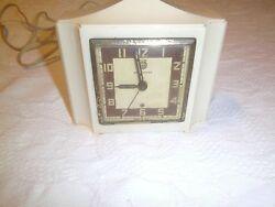 Vintage Seth Thomas  alarm clock model E864-000  in good condition Art Deco look