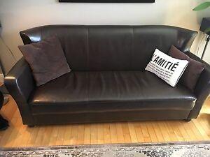 Divan et fauteuil d'appartement