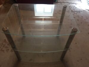 3-tier glass stand