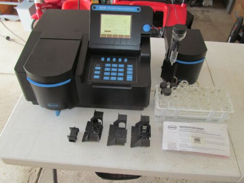 Hach DR/4000 Spectrophotometer w/ Accessories, Version 2.40