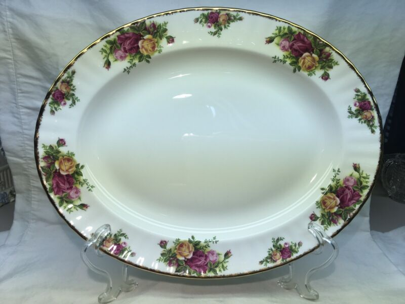 """Royal Albert Old Country Roses Oval Platter 13 3/4"""""""