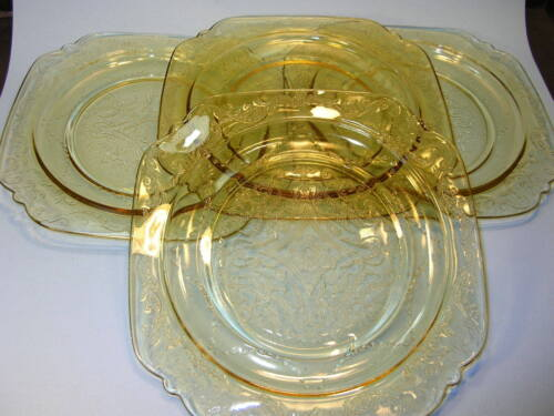 "Lot of 4 Federal Glass Madrid Depression Glass Amber Yellow 9"" Lunch Plates"