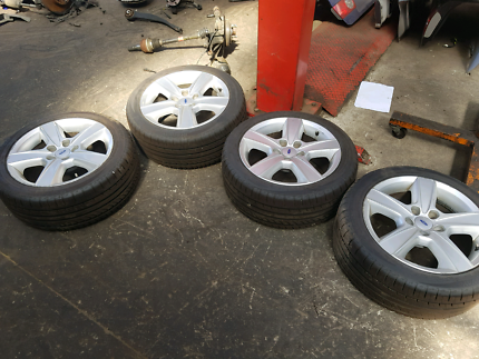 Ford xr6 17 inch  rims and tyres ba bf