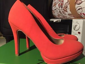 Coral high heels fabulously comfy - brand new Arncliffe Rockdale Area Preview