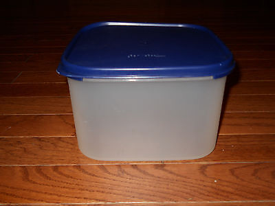 Tupperware Clear Storage Container Modular Mates #2 Square Navy Blue Seal