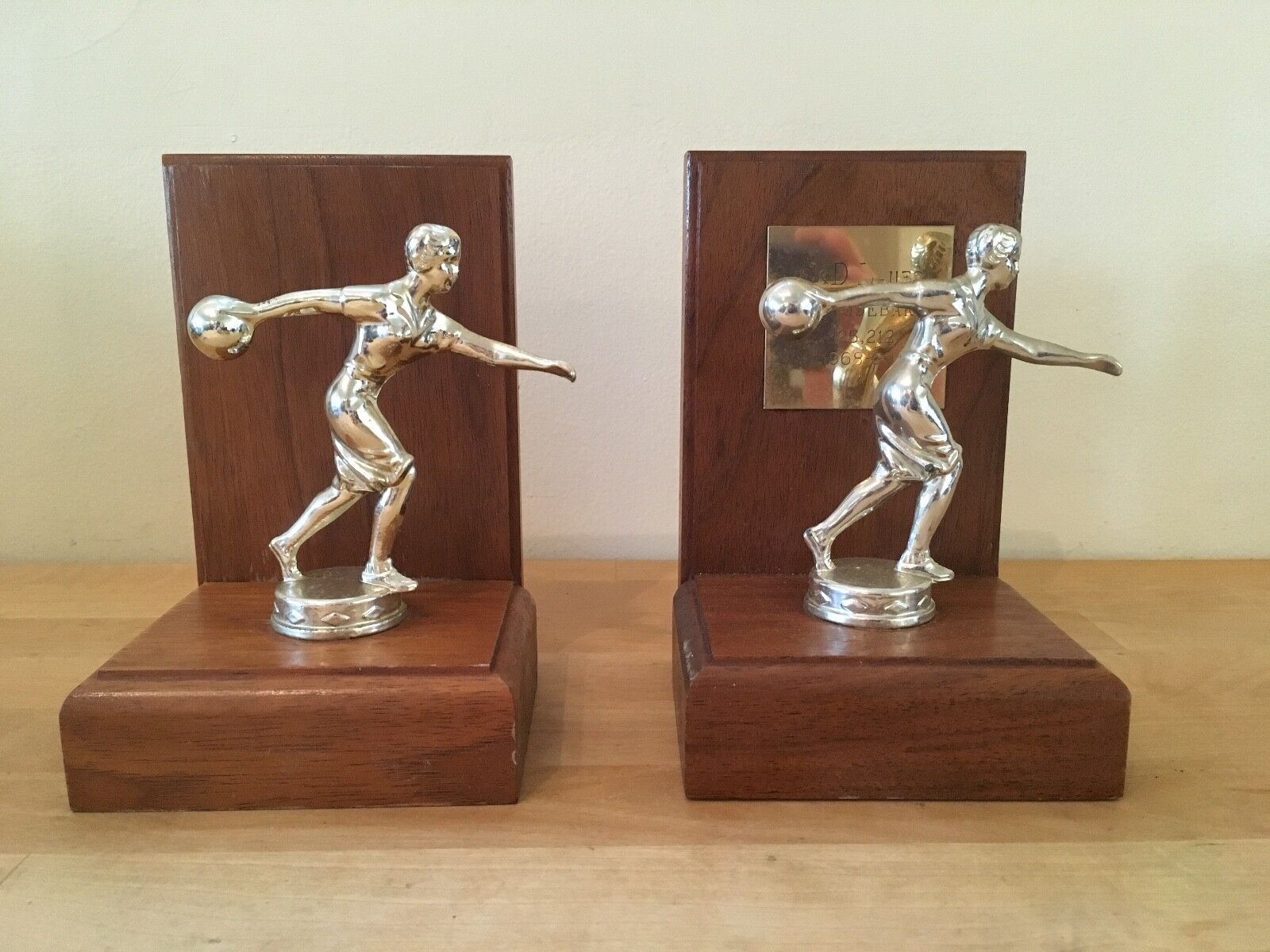 """""""Pair Of Vintage Women's Ladies Bowling Trophies 1968-69 Wooden Bookends 6"""""""" Tall"""""""