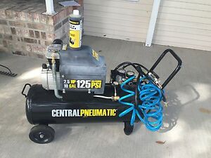 10 Gallon, 2.5 HP, 125 PSI Air Compressor