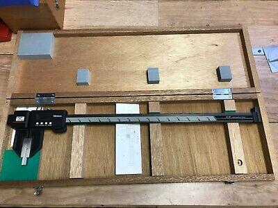 Nice Mitutoyo Carbon Fiber Digital Caliper 18 No. 552