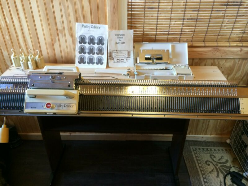 TESTED! Bulky 8 Eight Knitting Machine & R-120 Bulky Ribber