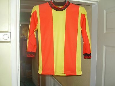 A BRAND NEW SET OF KIDS FOOTBALL SHIRTS,   8 X 26/28 CHEST YELLOW/RED STRIPES