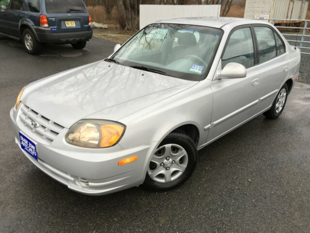 Image 1 of Hyundai: Accent 4dr…