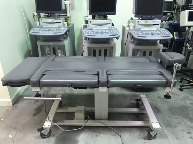 Physical Therapy Electric Table With Foot Pedal