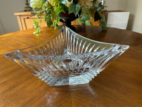 BEAUTIFUL CRYSTAL ROGASKA TRIANGLE SHAPED CENTERPIECE SERVING BOWL