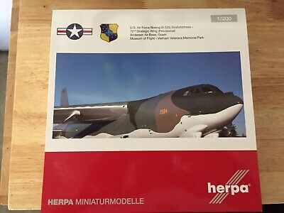 Herpa Wings USAF Boeing B-52G Stratofortress Museum of Flight 1:200 (559294)