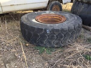 CAT  loader tires & rims