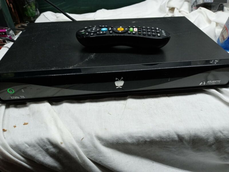 TiVo t6 from Atlanta broadband with remote control