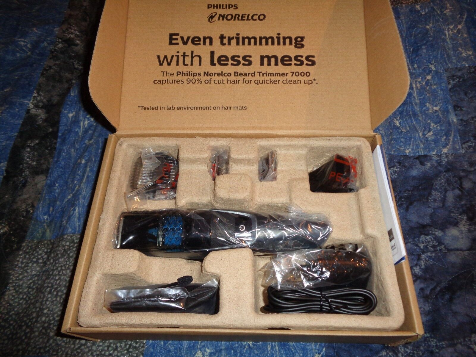 Philips Norelco Beard trimmer Series 7200 with Vacuum, BT722