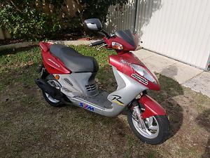 SYM Shark 50cc moped Bertram Kwinana Area Preview