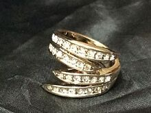 Rose Gold Plated Crystal Banded Ring South Albury Albury Area Preview