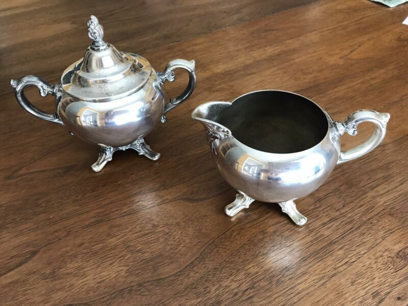Vintage Wm Rogers Silver Plate Cream And Sugar
