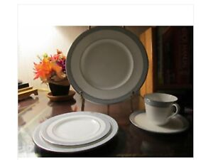 Royal Doulton Étude Series Fine-Bone China Dinnerware Set