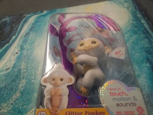 Fingerlings Glitter Monkey  Sugar- White Glitter  Age 5+ New