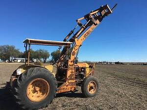 Chamberlain 9G Front End Loader/Forklift/round bails Inverell Inverell Area Preview