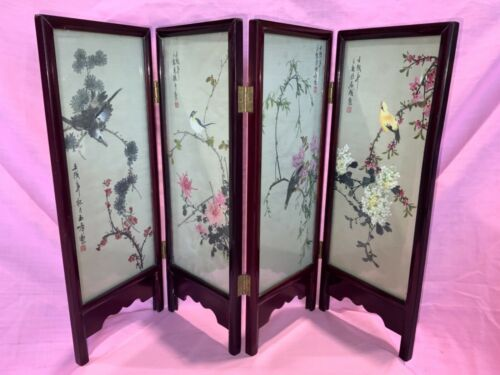 VINTAGE ART DECO ORIENTAL FOUR PANAL TABLE SCREEN WITH BIRDS AND SIGNED SILK PRT