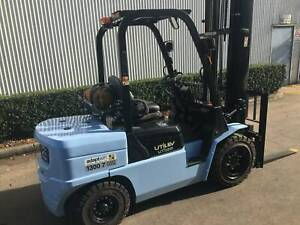 Ex Demo 3.5T Counterbalance Forklift Springvale Greater Dandenong Preview