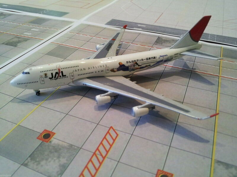 Netmodels JAL Japan Airlines B 747-446 1:500 2003s Cols Soccer WORLD CUP JA8909