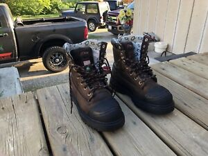 Womens work boots, size 9