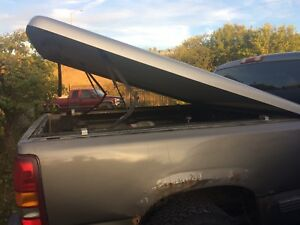 Fibreglass tonneau cover off a  6 foot box 275 obo