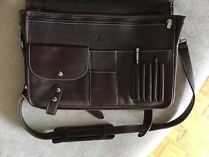Great Gift! - Roots Men's or Ladies shoulder briefcase