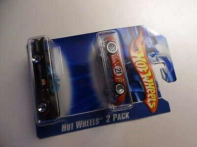 Hot Wheels  2007 2 PACK, 66 BATMOBILE & FERRARI 250LM - sealed new