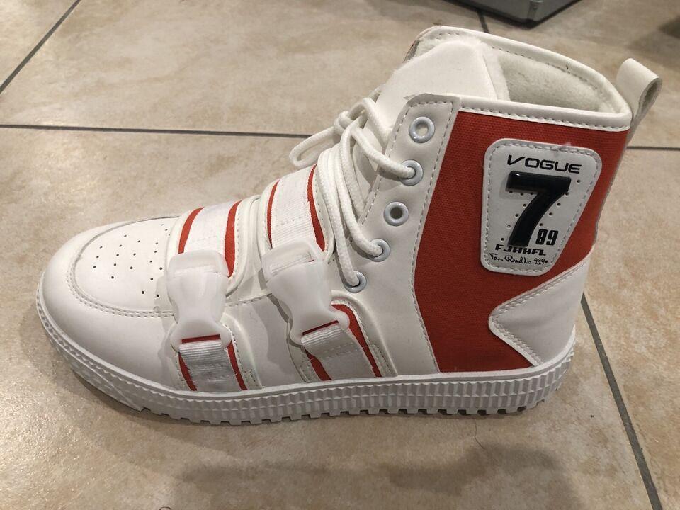 Sneaker - neu und ungetragen - Größe 42 - reduziert in Hessen - Erlensee