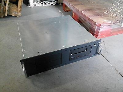 Fujitsu Siemens 4 Bays Primergy SX10 (S26361-K866-V100 Incl 1x LTO2 Drive