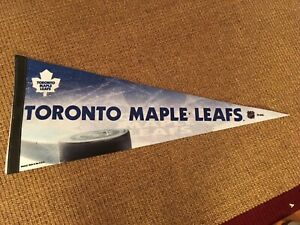 Toronto Maple Leafs - fleece and flag fan pack size 6X