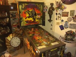 BLACK KNIGHT PINBALL MACHINE BY WILLIAMS WATCH VIDEO.