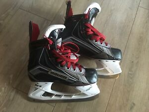 Bauer Vapour Youth Size 2 Hockey Skates