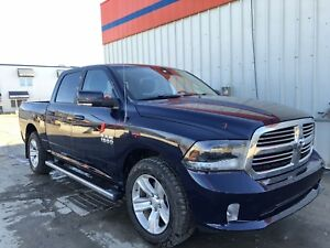 2015 Dodge Ram 1500 CrewCab Loaded V8 Hemi