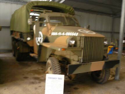 Army vehicle 1943 Studebaker truck