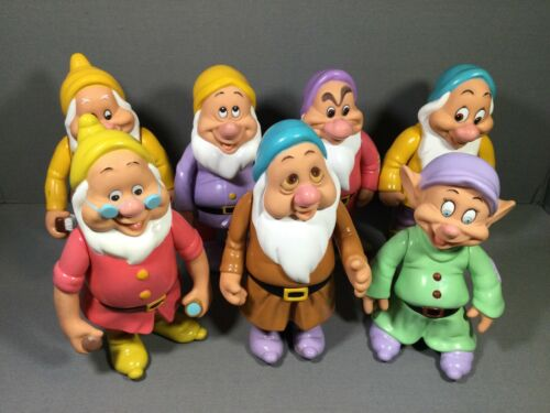 VINTAGE DISNEY Snow White and the 7 Seven Dwarfs Vinyl Figures