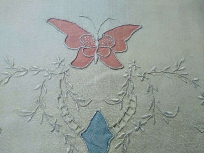 """Beautiful Madeira Butterfly Applique & Embroidered Linen Hand Towel 26""""x17.5"""""""