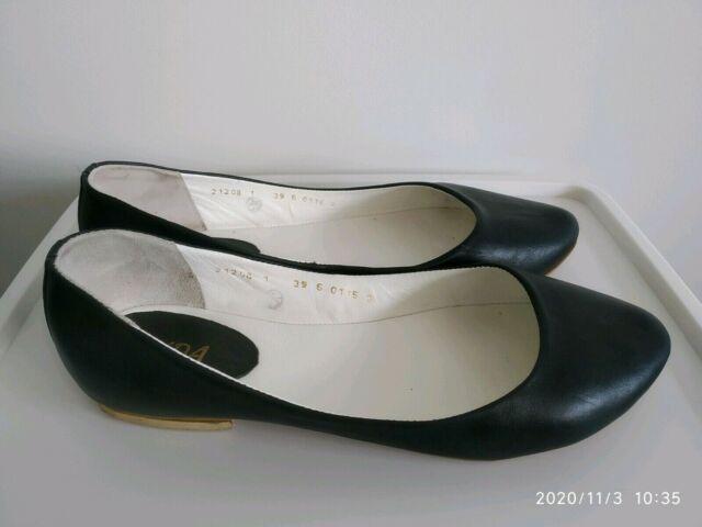 black flat shoes size 9