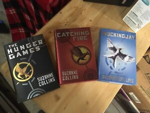 Hunger Games 3 book Hardcover Box Set *New*